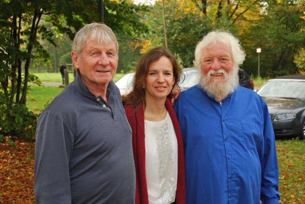 Vorstand des Europäischen Fachverbandes Klang-Massage-Therapie e. V. von rechts nach links: Ulrich Krause, Dr. Christina Koller, Peter Hess