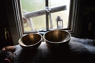 Singing bowls in Finland sauna