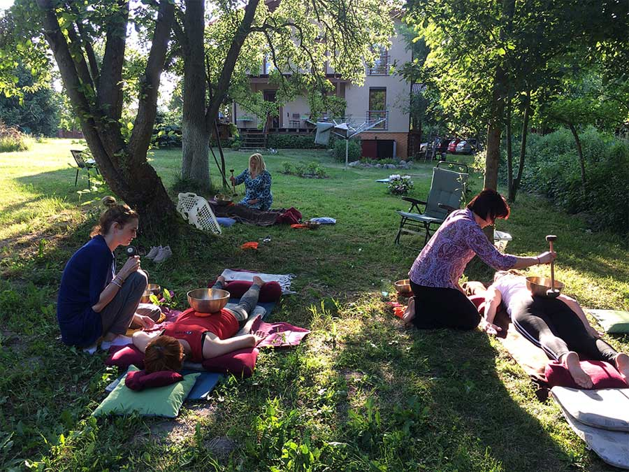 Klangmassage in Polen Anwendung