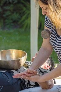 Klangschalen Kosmetik Handmassage