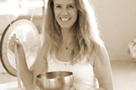 Gong und Yoga Seminarleitung Janine Gabelmann