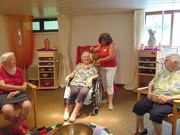 Klangschalen im Seniorenheim